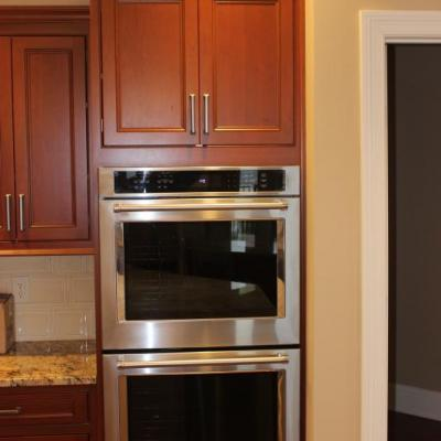 Kitchen Ovens and Cabinets